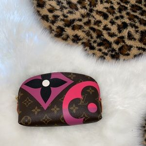 Louis Vuitton game on collection cosmetic pouch
